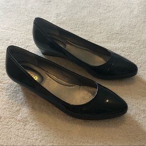 """Me Too 1"""" black wedges, size 9, worn once"""